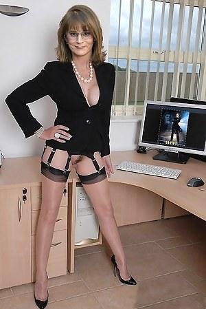 Petite Mature Porn Pictures
