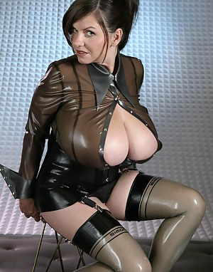 Mature Latex Porn Pictures