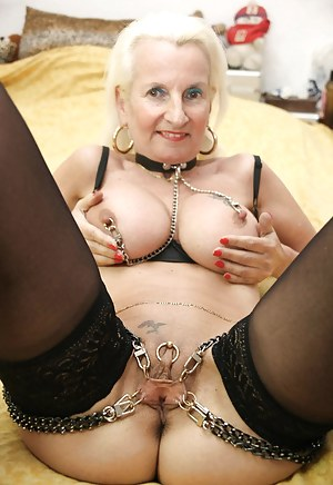 Mature Pussy Piercing Porn Pictures