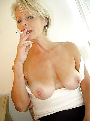 Mature Smoking Porn Pictures