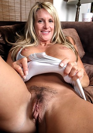 Mature Pussy Porn Pictures
